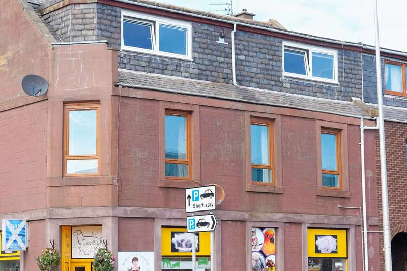 3 Bedrooms Flat for sale in Lordburn, Arbroath, Angus, DD11 1JD