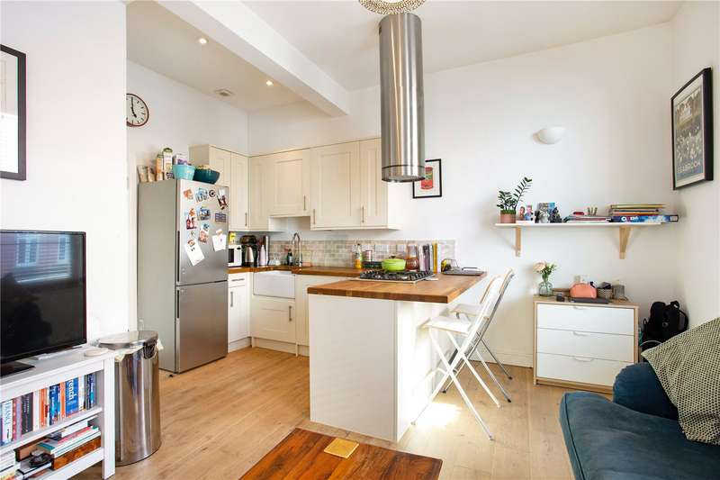 1 Bedroom Flat for sale in Bedford Hill, London, SW12