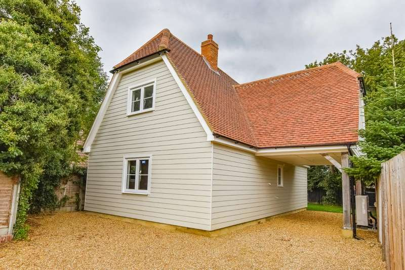 4 Bedrooms Detached House for sale in Burgattes Road, Little Canfield, Dunmow