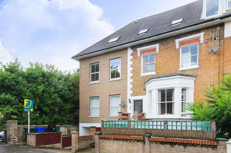 Studio Flat for sale in Crescent Road, Bromley, BR1