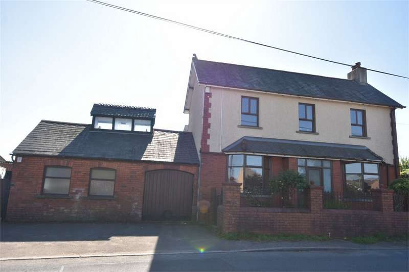 3 Bedrooms Detached House for sale in Brynhoward Terrace, Oakdale, Blackwood, Caerphilly