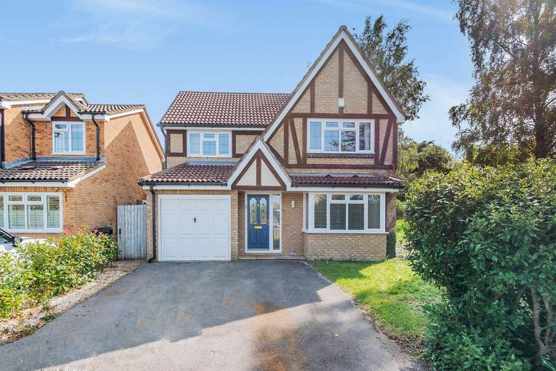 4 Bedrooms Detached House for sale in Whitestones, Hatch Warren, Basingstoke, RG22