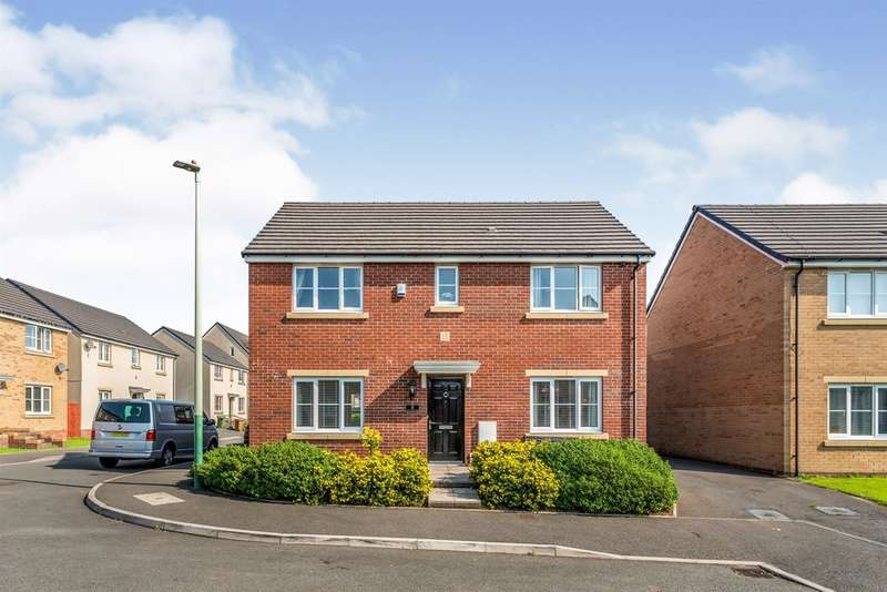 4 Bedrooms Detached House for sale in Long Heath Close, Caerphilly