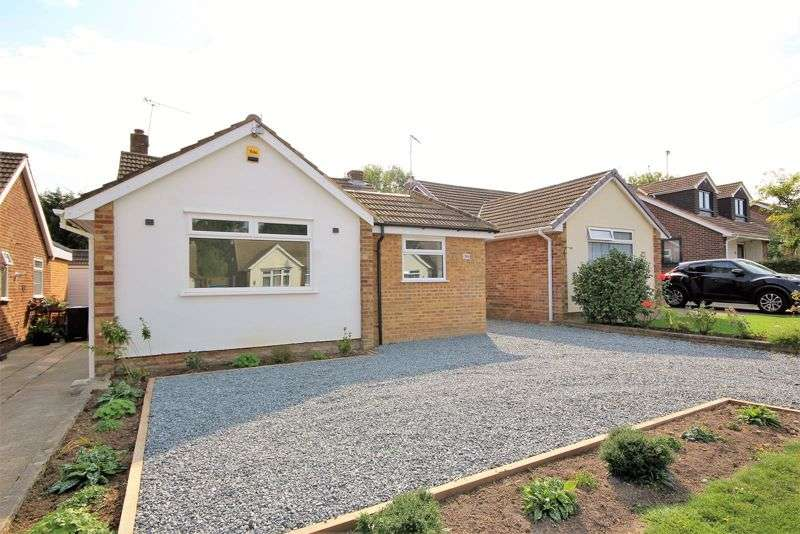 3 Bedrooms Property for sale in Arnolds Avenue, Brentwood