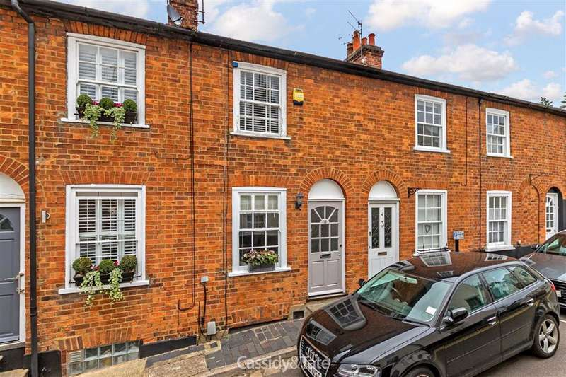 2 Bedrooms Property for sale in Queen Street, St Albans, Hertfordshire - AL3 4PJ