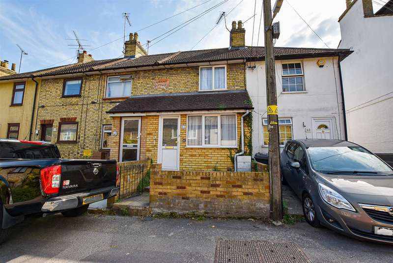 2 Bedrooms Terraced House for sale in Church Street, Burham