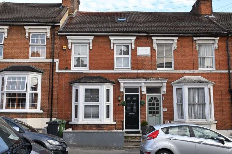4 Bedrooms Property for sale in Hardy Street, Maidstone