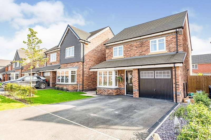 4 Bedrooms Detached House for sale in Pennington Drive, Farington Moss, Leyland, PR26
