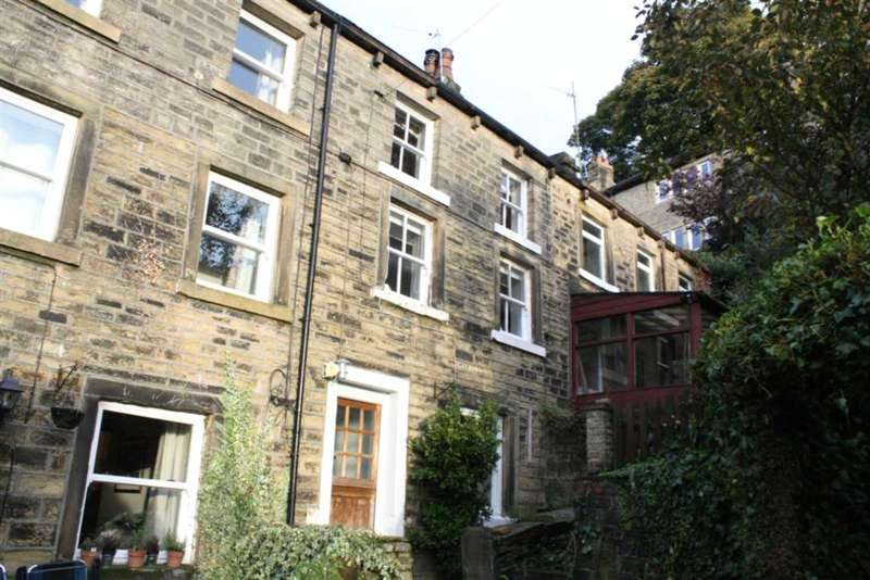 3 Bedrooms Terraced House for rent in St Annes Square, Holmfirth, West Yorkshire, HD9