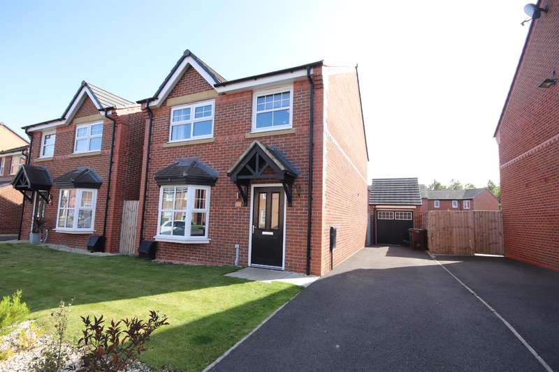 4 Bedrooms Detached House for sale in Carroll Close, Leigh, WN7 4BU
