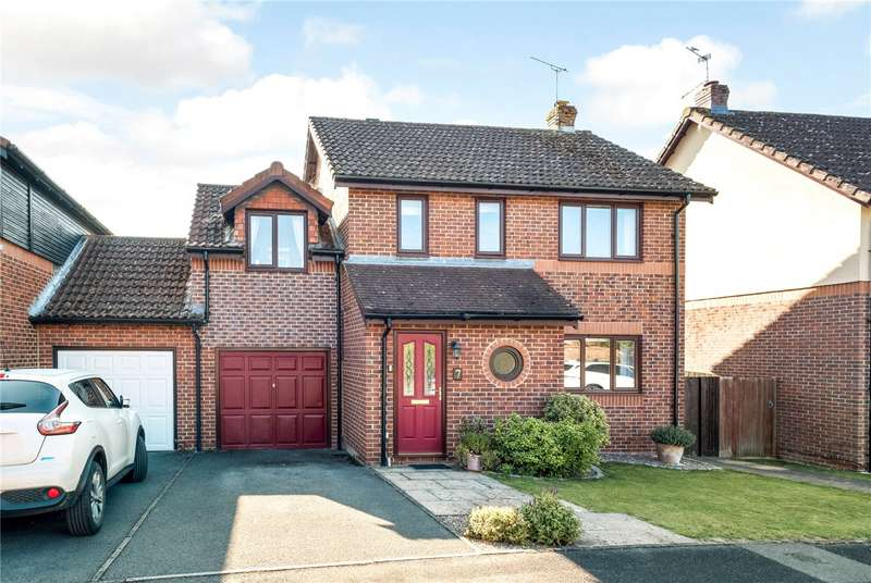 5 Bedrooms Link Detached House for sale in Holdaway Close, Kings Worthy, SO23