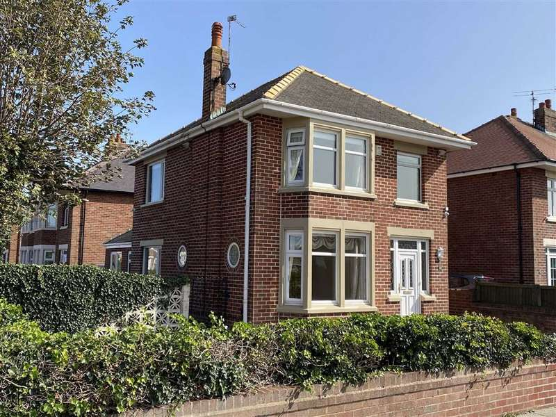 4 Bedrooms Detached House for sale in Berwick Road, St Annes On Sea