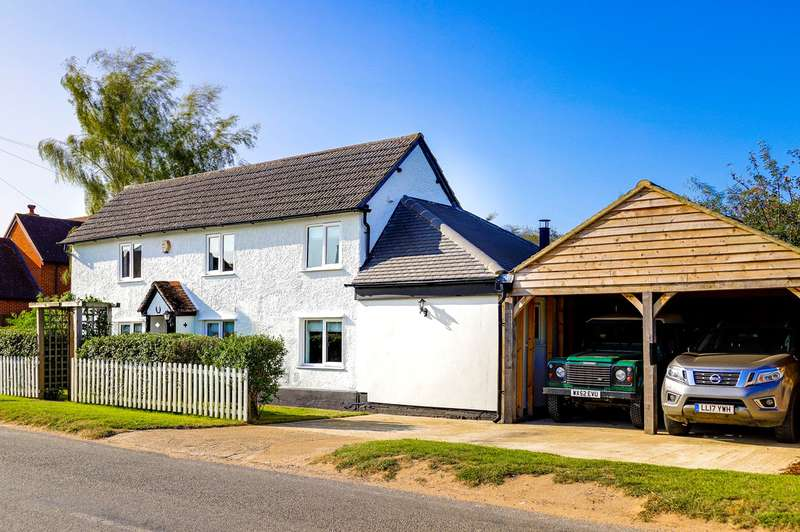3 Bedrooms Detached House for sale in Royston Road, Litlington, SG8