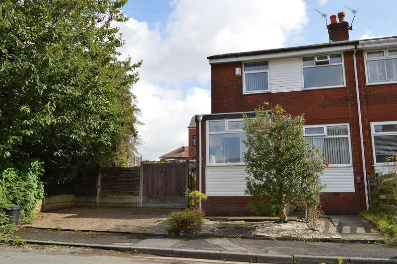 3 Bedrooms End Of Terrace House for sale in Whitland Drive, Hollinwood, Oldham, OL8 4SS