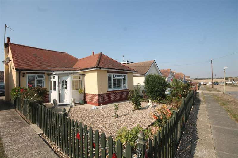 2 Bedrooms Bungalow for sale in Merrilees Crescent, Holland on Sea