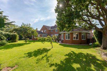 6 Bedrooms Detached House for sale in Hill Road, Kirkby, North Yorkshire