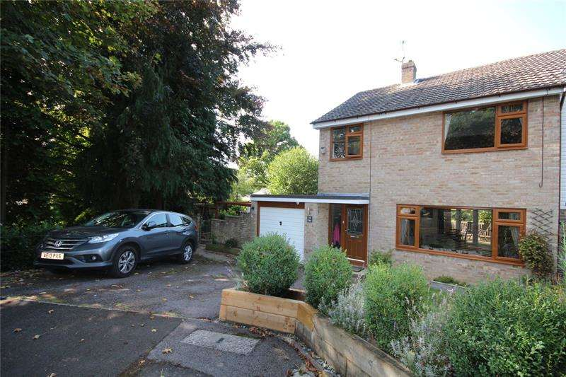 3 Bedrooms Semi Detached House for sale in Denholm Close, Ringwood, Hampshire, BH24
