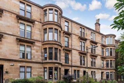 3 Bedrooms Flat for sale in Hillhead Street, Hillhead