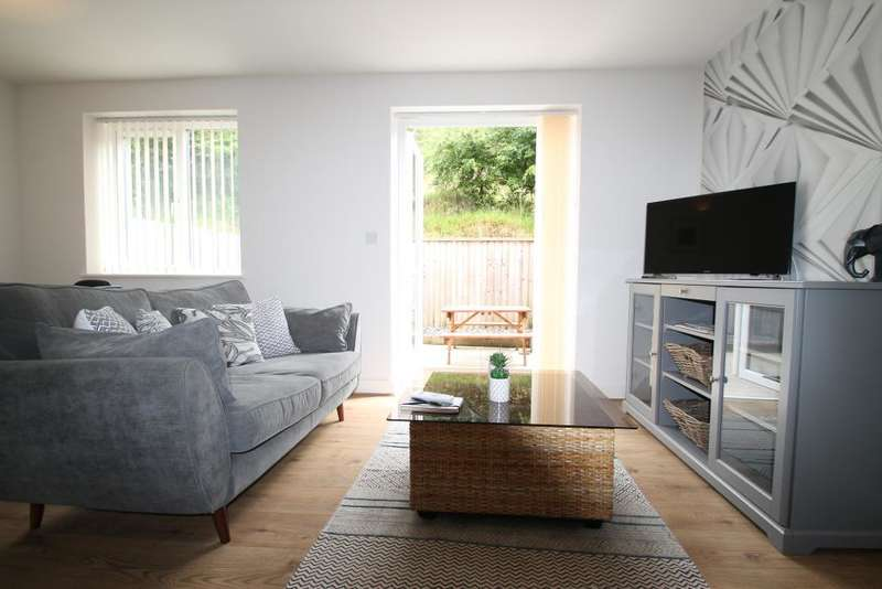 3 Bedrooms Terraced House for sale in Oak Road, Blaina, Blaenau Gwent, NP13 3JX