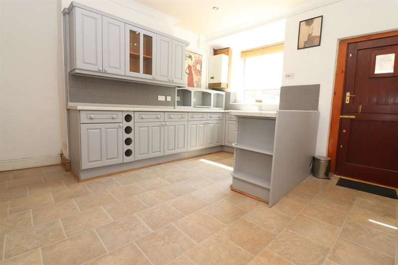 2 Bedrooms Terraced House for sale in Northcote Street, Darwen, BB3 2QT