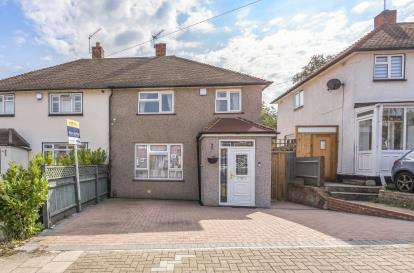 2 Bedrooms Semi Detached House for sale in Rushet Road, Orpington, Kent