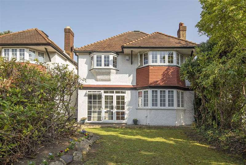 4 Bedrooms Detached House for sale in High Road, Whetstone
