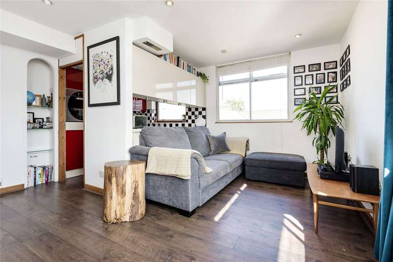 2 Bedrooms House for sale in St Columbas House, Prospect Hill, London, E17