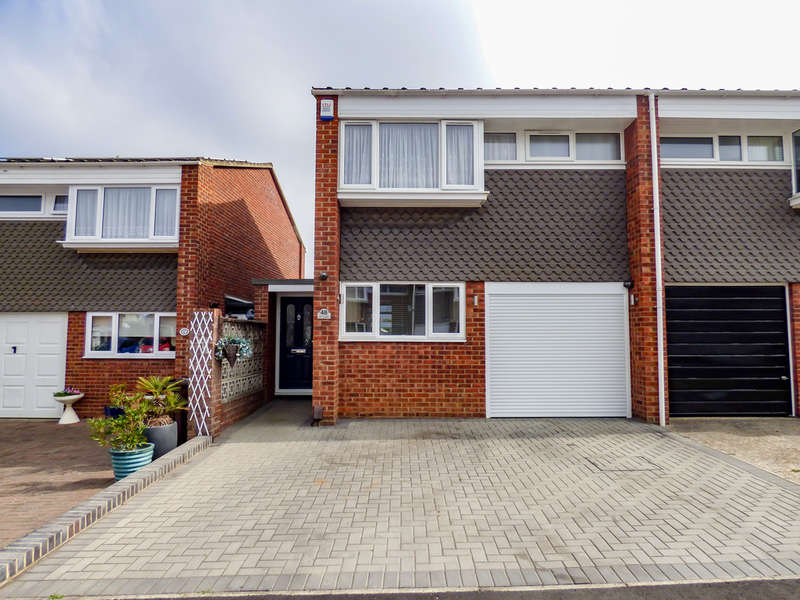 3 Bedrooms Semi Detached House for sale in Ivy Close, Gravesend, Kent