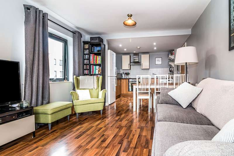 2 Bedrooms Apartment Flat for sale in Greenwood Terrace, Salford, M5