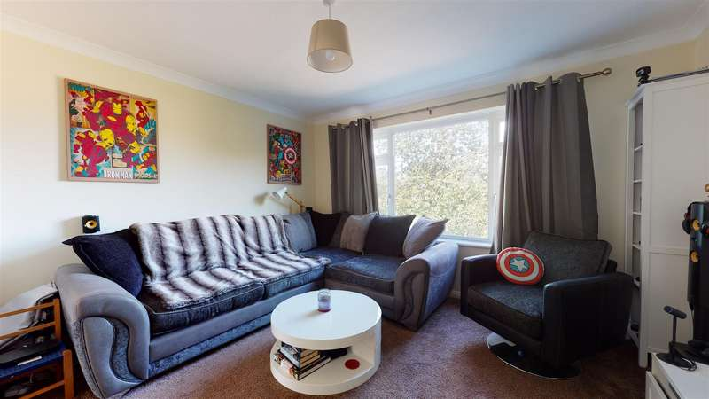 2 Bedrooms Maisonette Flat for sale in Woodford Court, Birchington