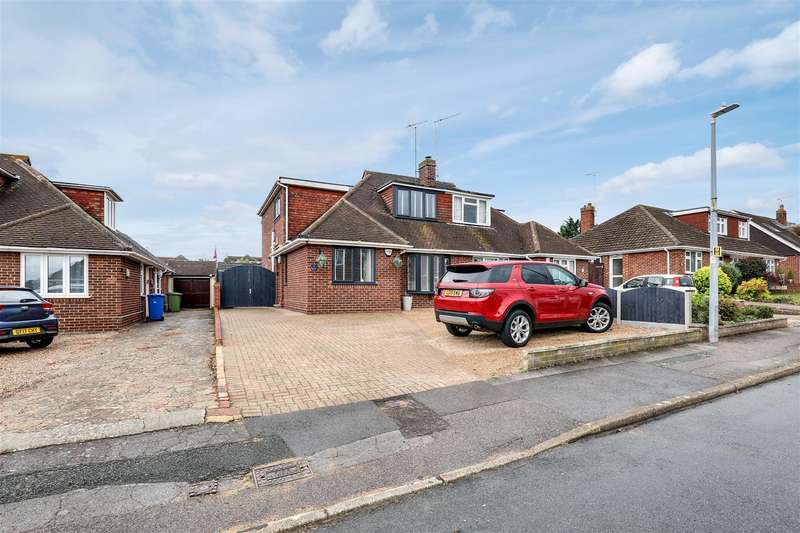 4 Bedrooms Semi Detached House for sale in Sterling Road, Sittingbourne