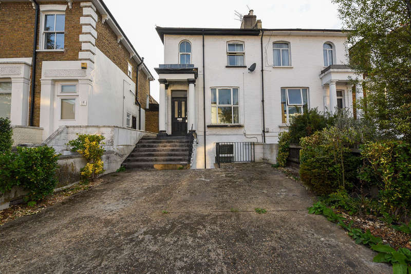 6 Bedrooms Flat for sale in 16 Askew Road A,B,C