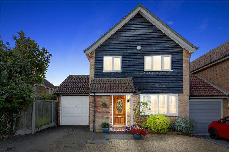4 Bedrooms Detached House for sale in Eisenhower Road, Basildon, SS15