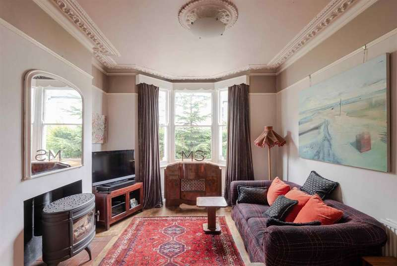 5 Bedrooms Terraced House for sale in Umfreville Road, London