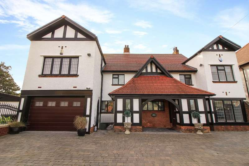5 Bedrooms Detached House for sale in Beverley Park, Whitley Bay