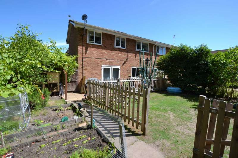 3 Bedrooms End Of Terrace House for sale in Alma Road, Bordon, Hampshire, GU35