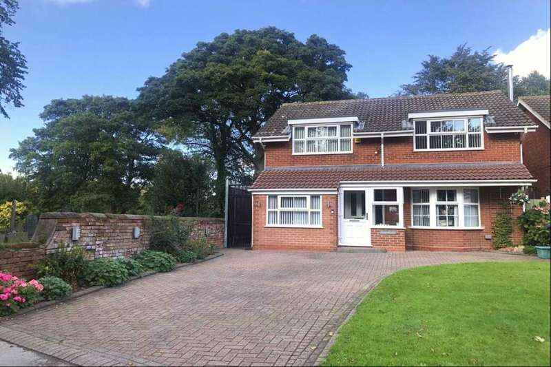 4 Bedrooms Detached House for sale in Kingsleigh Drive, Castle Bromwich, Birmingham, B36
