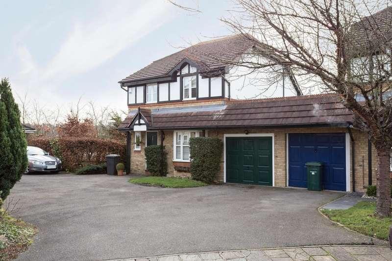 4 Bedrooms Link Detached House for sale in Partridge Close, Barnet, Herts, EN5