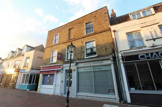 Flat for rent in 36a Sun Street, WALTHAM ABBEY, Essex