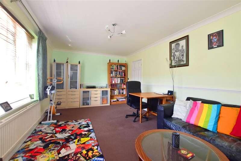 1 Bedroom Flat for sale in Diban Avenue, , Hornchurch, Essex