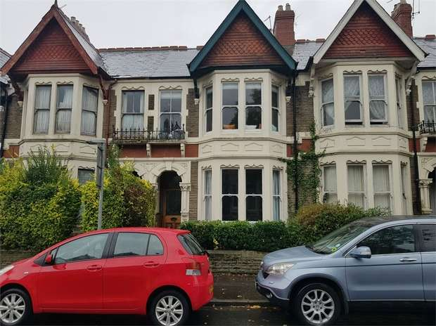 2 Bedrooms Flat for rent in 35 Tydfil Place, Cathays, Cardiff