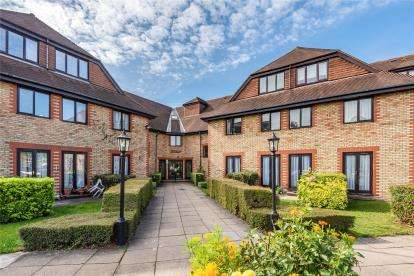 House for sale in Heydon Court, 5 Deer Park Way, West Wickham