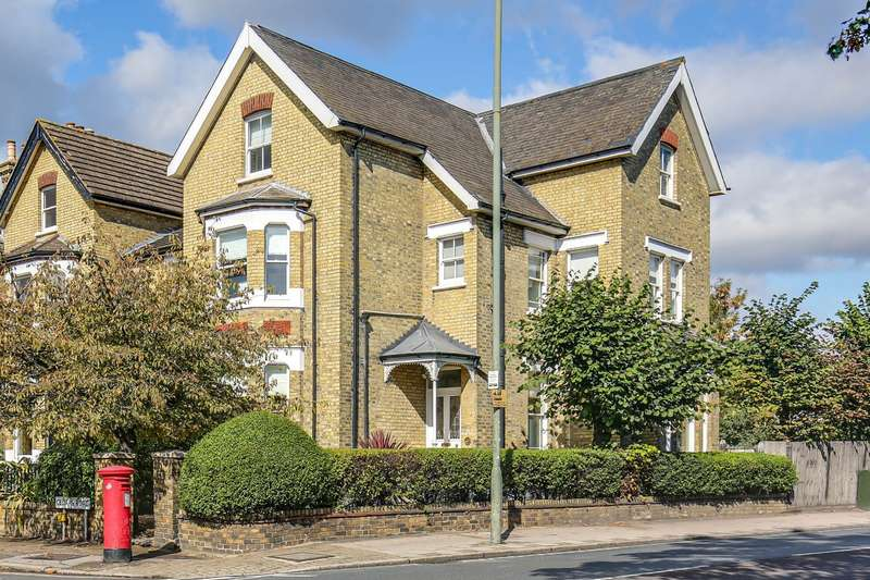 5 Bedrooms Semi Detached House for sale in Cedars Road, Beckenham, BR3