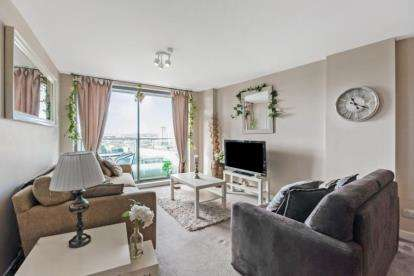 2 Bedrooms Flat for sale in Clyde Street, Glasgow, Lanarkshire