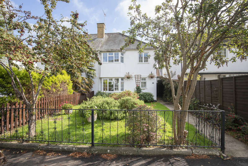 3 Bedrooms Semi Detached House for sale in St. Stephens Road, Cheltenham GL51 3AA