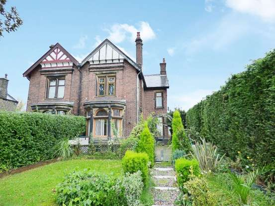 Semi Detached House for sale in Colne Road, Burnley, Lancashire, BB10 1EW