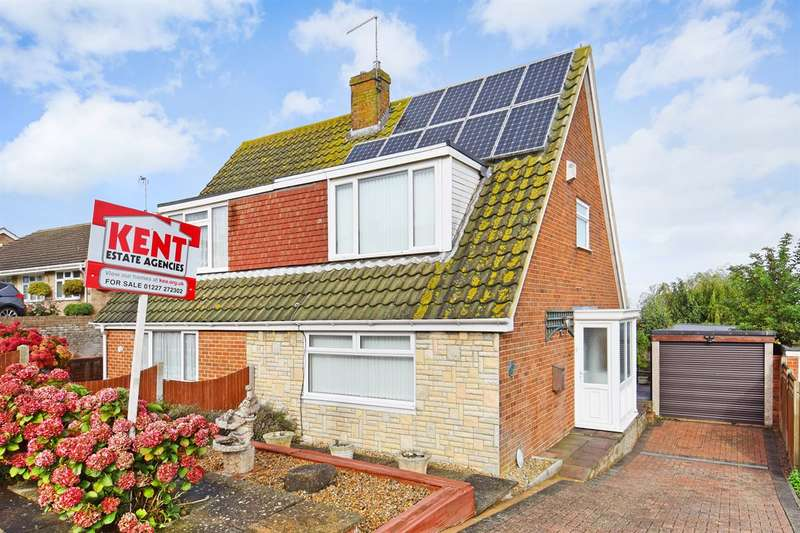 3 Bedrooms Semi Detached House for sale in Sandpiper Road, Whitstable