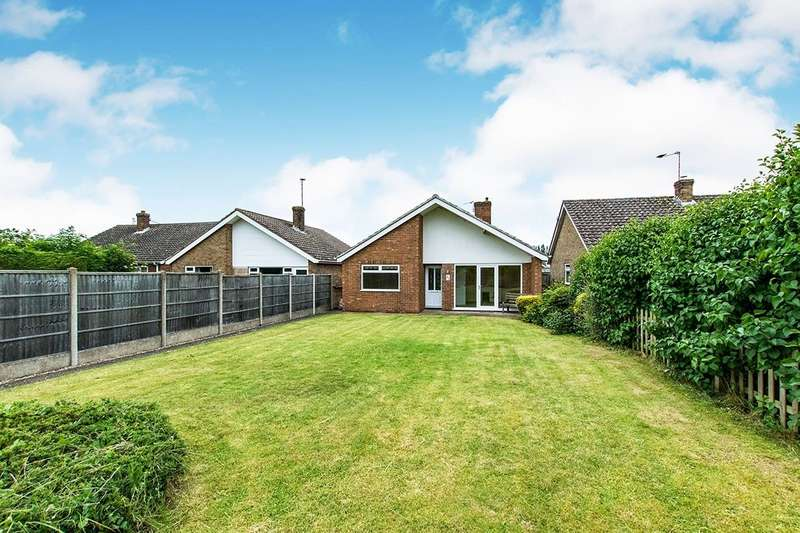 3 Bedrooms Detached Bungalow for sale in Grantham Road, Waddington, Lincoln, Lincolnshire, LN5
