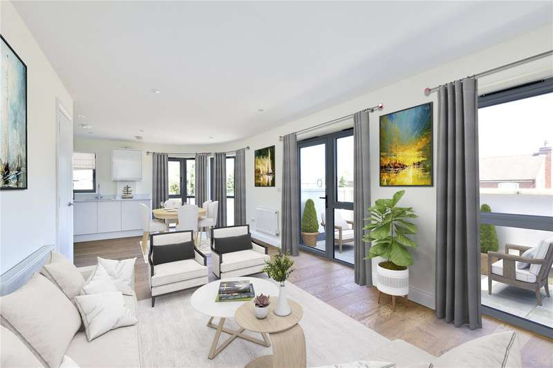 2 Bedrooms Flat for sale in Chiltern Mews, High Street, Bovingdon, HP3
