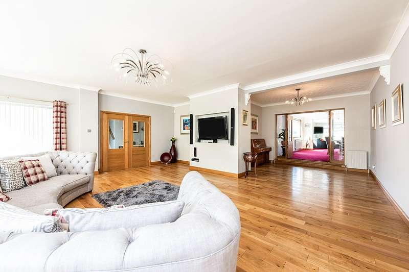 4 Bedrooms Detached House for sale in Main Street, Hillend, KY11
